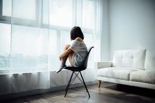 suka menyendiri dan lebih tenang sendiri