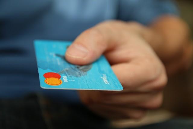 berhati - hatilah ketika memasukkan identity card