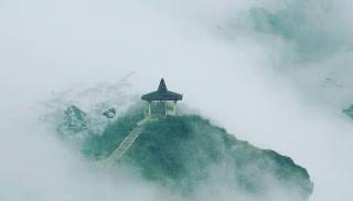 wisata kabut Puncak Suroloyo